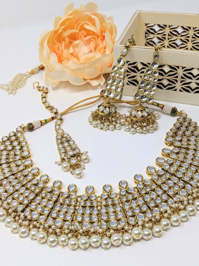 Golden Pratima Kundan Necklace Set - East Boutique
